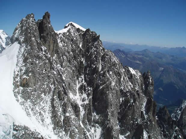Aiguille Blanche de Peuterey; Pointe Gussfedt (4112 m) foto Tomaž Jakofčič