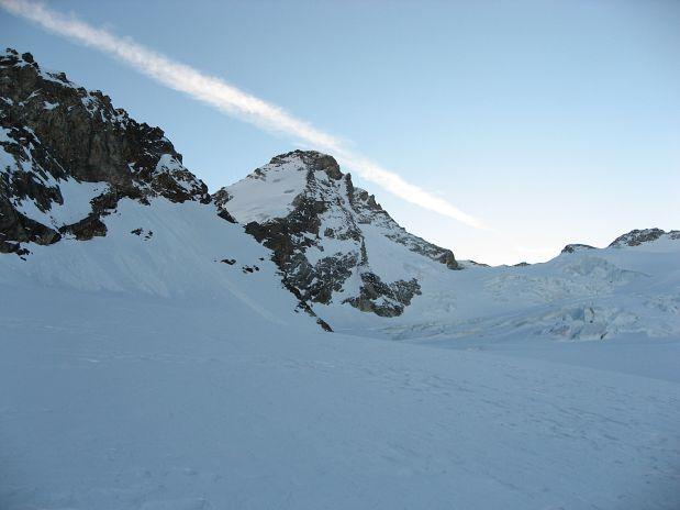 Pogled proti vrhu Dent d'Hérens